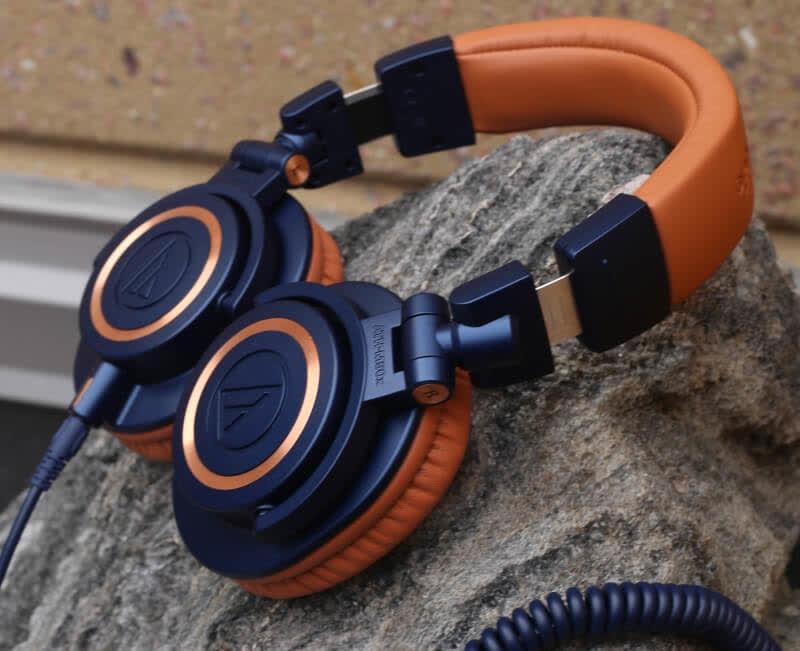7 Premium Over Ear Headphones For Music Lovers
