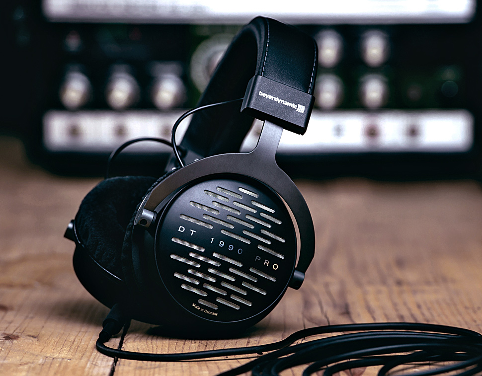 7 Premium Headphones For Music: Beyerdynamic DT 1990 Pro