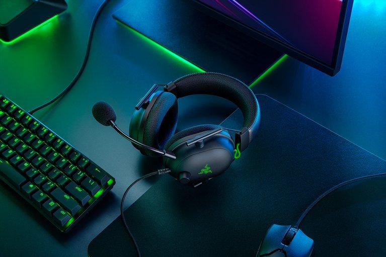 Razer BlackShark V2: Best over the ear headphones for gaming