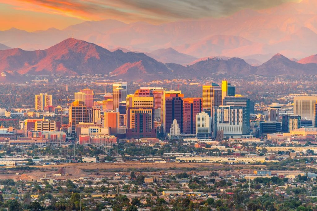 Phoenix, Arizona: Places to Live in the US