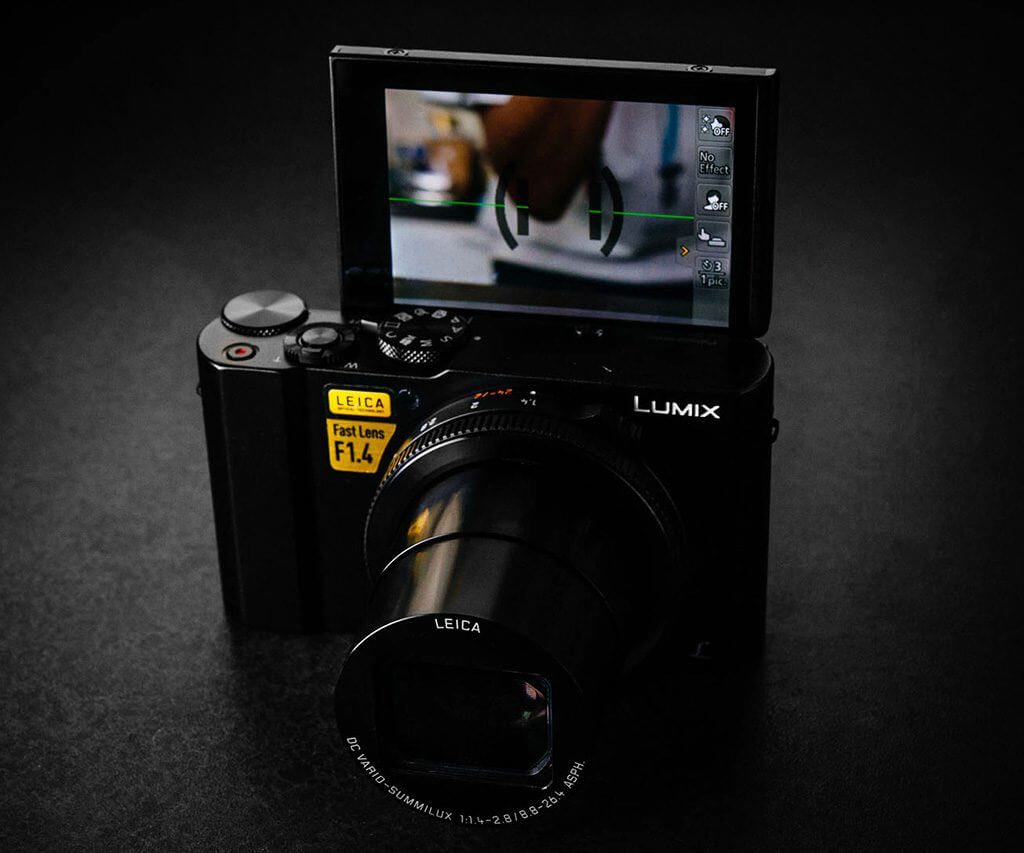 7 Great Cameras for Vlogging and Streaming: Panasonic LUMIX LX10