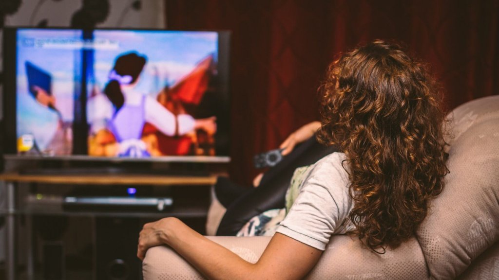 8 Best Websites to Watch Free Movies Online Without Ads to Enjoy Movies Seamlessly
