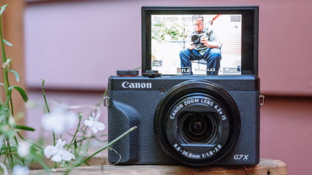 7 best cameras for Vlogging and Streaming under $1000: Canon G7 X Mark III