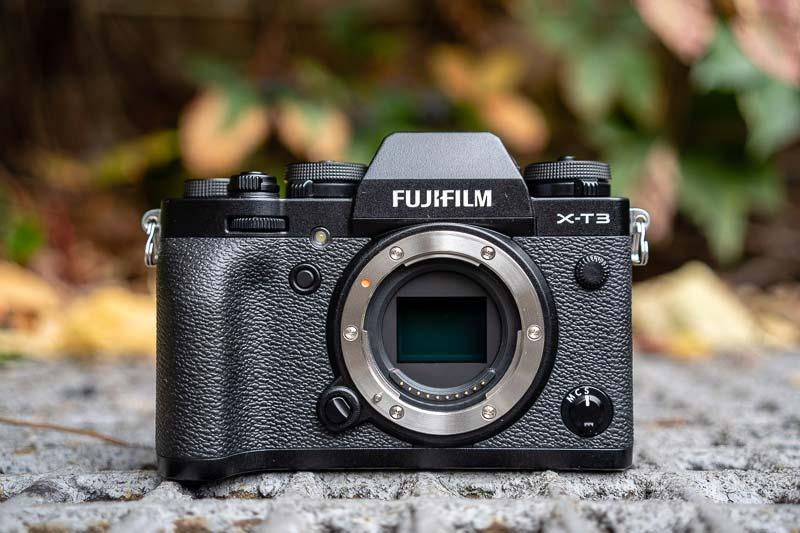 5 Great-Buy Cameras for Vlogging and Streaming under $1500: Fujifilm X-T3
