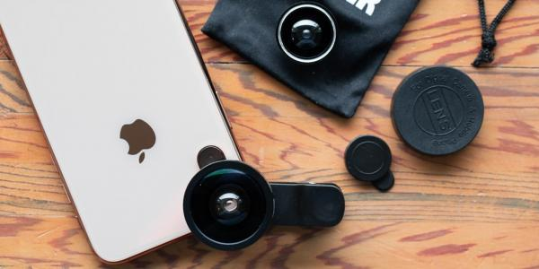 4 Great Equipment for Vlogging on iPhone: Lens Attachment