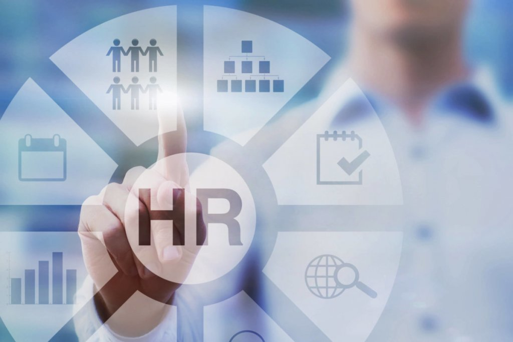 Why Businesses Who Use HR & Payroll Software Outperform Their Competition?
