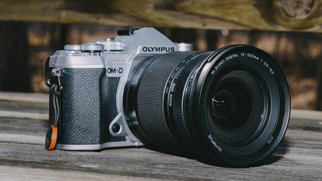7 best cameras for Vlogging and Streaming under $1000: Olympus E-M5 Mark III