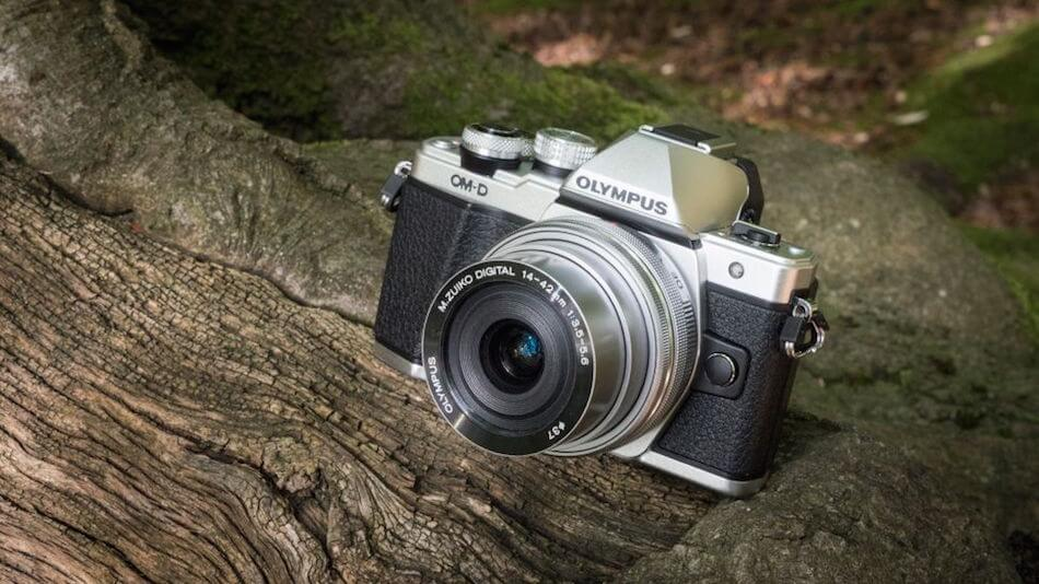 7 Great Cameras for Vlogging and Streaming: Olympus OM-D E-M10 Mark II