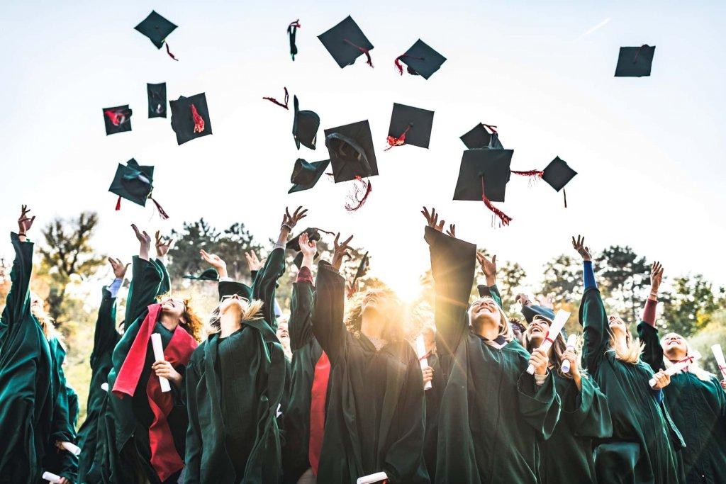 Best Graduation Captions 2021