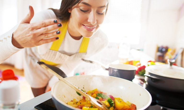 cook for her; how to make a girl happy