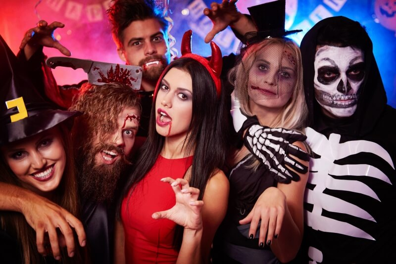 6 Halloween Costume Contests | Win upto $300 At Halloween