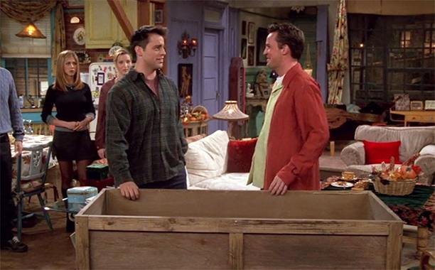 10 Hilarious Friends Thanksgiving Episodes Ranked In 2021